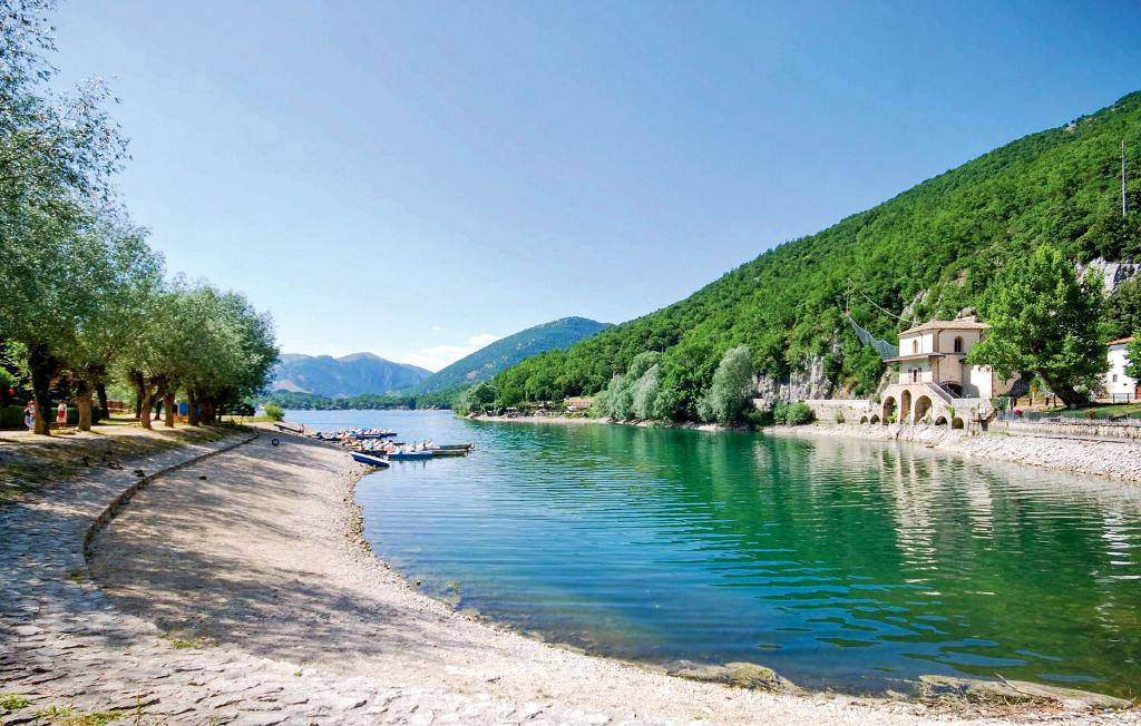 lago di scanno, laghi italiani, Italia, Italy, lakes, Italian lakes, beautiful landscape