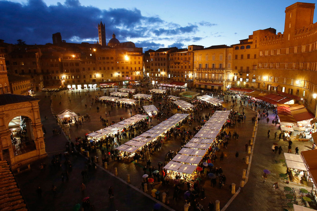 Christmas in Italy, natale in italia, italy, christmas, city, Trento, Perugia, Siena, Roma, Napoli