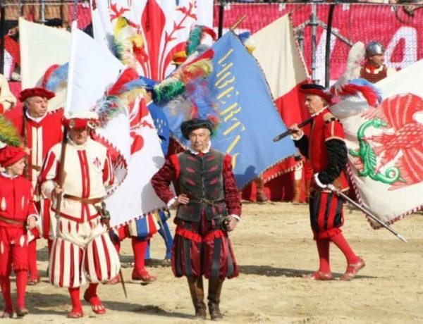 Un sport traditionnel: le football florentin