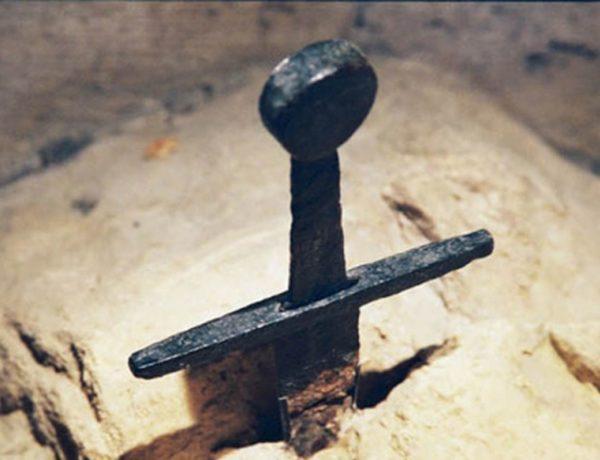 L'épée dans le rocher de San Galgano