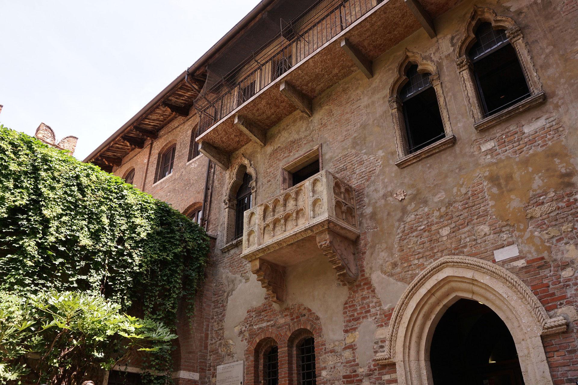 verona, romeo, giulietta, romantic, city, visit Italy, Italy, north Italy, weekend,