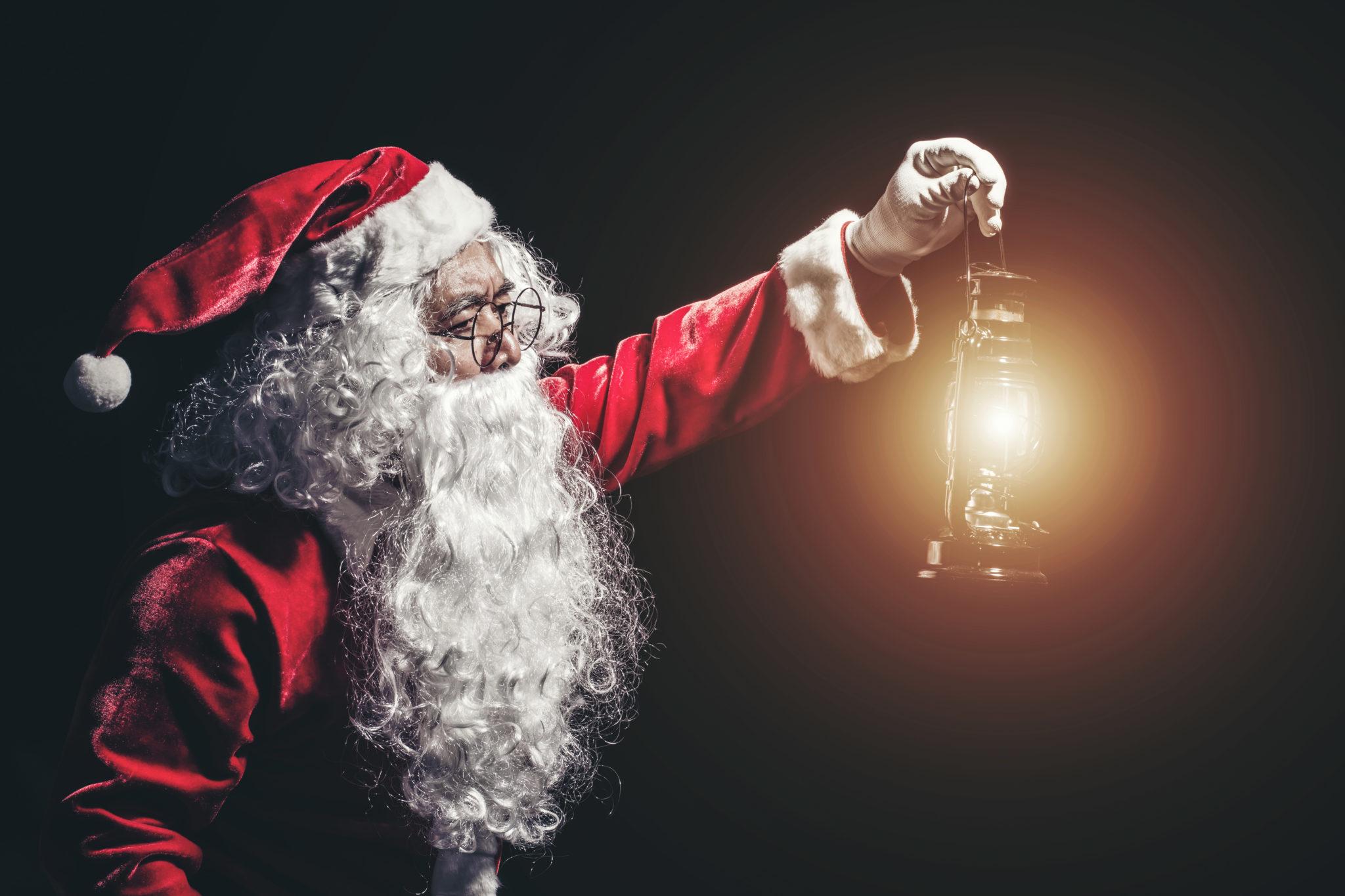 Babbo Natale E San Nicola.San Nicola In Fin Dei Conti Babbo Natale E Tricolore